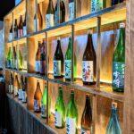 會の日本酒ディスプレイ