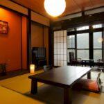 千代滝温かみのある温泉街眺望の客室